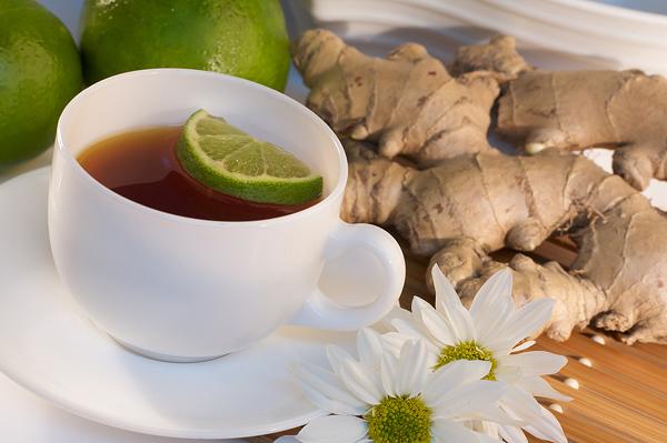 Zázvorový čaj pomáhá při nachlazení izažívacích potížích