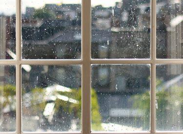 Topná sezóna začíná: Rosící se okna a co s nimi