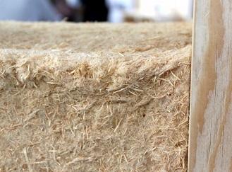 Nahradí dřevo všudypřítomný polystyren? Tepelné izolace na bázi dřevovlákna