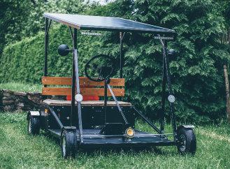 Kutil si postavil elektromobil a elektrokoloběžku. Návody publikuje na internetu