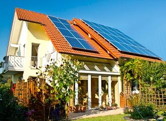 Fotovoltaika na koci léta: Konec podpory a šikana provozovatelů malých elektráren