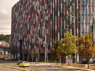 Rockwool má nové izolační desky pro provětrávané fasády