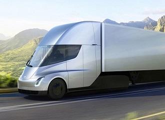 Elektrické kamiony Tesla poprvé v ostrém provozu