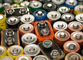 Jak se recyklují alkalické baterie a jak snížit jejich spotřebu