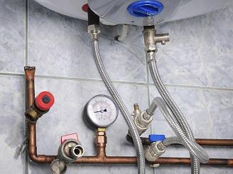 Teplá voda v panelovém domě – jaký způsob ohřevu se vyplatí?