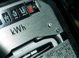 Jaká je aktuální cena kWh a MWh elektřiny?