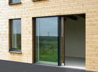 Česká firma vyvinula vzduchotěsné posuvné dveře pro pasivní domy