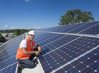 Nové solární panely slibují větší účinnost. Už se vyrábí