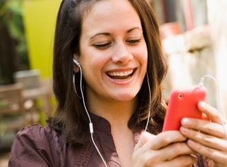 Mobilní telefony jsou plné drahých kovů, přesto se recyklují jen málo