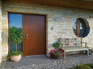 Když jsou dveře opravdu ze dřeva