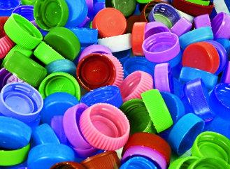 Sbírání víček – jako recyklace to funguje, jako výdělek rozhodně ne