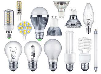 """Po klasických žárovkách skončí také halogenové světelné zdroje, úsporné zářivky """"přežijí"""""""