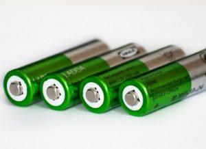 Baterií začíná být nedostatek. Může za to Tesla a rozvoj elektromobilů