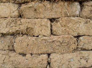 Hlína – krásný, zdravý a (někdy) levný stavební materiál