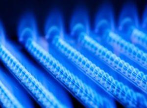 Ohřívá vám vodu plyn? Pozor na letní nebezpečí – oxid uhelnatý