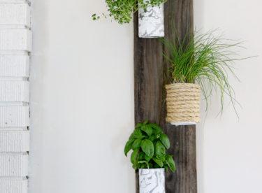 Vyrobte si závěsný systém na bylinky