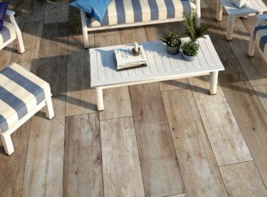 Co dát na podlahu – dřevo, keramiku nebo beton?