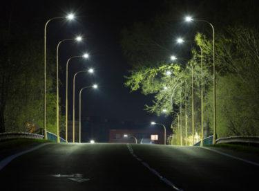 V Česku už nikde není v noci tma. A to je velký problém pro přírodu i pro lidi