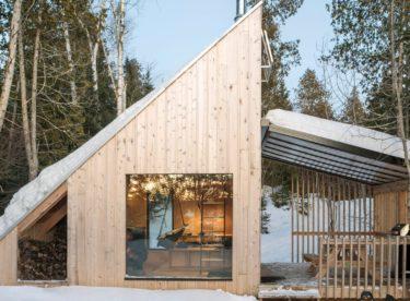 Seznamte se s originální dřevostavbou, která nabízí pobyt v srdci přírody