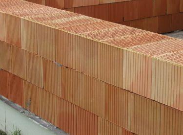 Stavby se prodražují, roste cena materiálu i prací. Některé cihly zdražily dvojnásobně