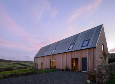 Moderní venkovský dům  inspirovaný tradicemi