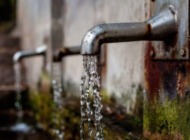 Češi se naučili šetřit vodou …kromě obyvatel Prahy