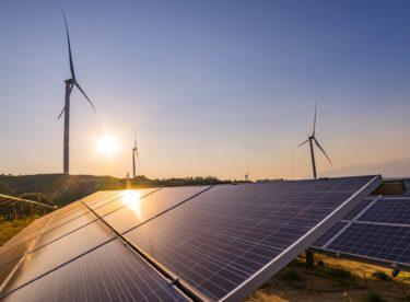 Zelená elektřina je drahá a zisky jdou solárním baronům. 5 mýtů o obnovitelné energii