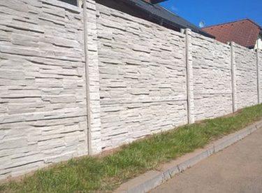 Betonový plot je zárukou soukromí
