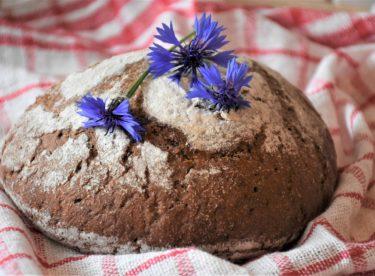 Upéct doma dobrý chleba není žádná věda – s našim receptem to zvládnete.