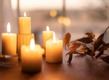 Vyrobte si doma svíčky z přírodního vosku