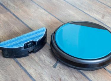 Tyto robotické vysavače vám i vytřou podlahu