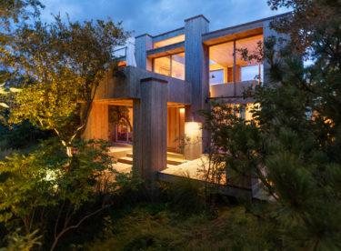 Nádherný víkendový dům s cedrovým obložením