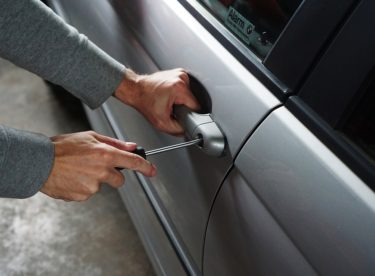 Nedejte zlodějům šanci: Jak zabezpečit každé auto?