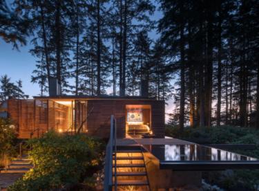 Dům na hranici lesa a oceánu