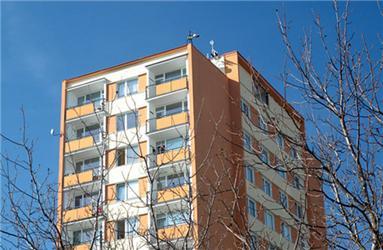 O dotace zprogramu Zelená úsporám budou moci zažádat ivlastníci panelových domů