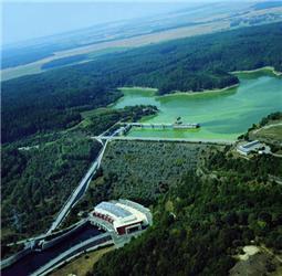Vodní elektrárna Dalešice dokáže nahradit jeden blok Jaderné elektrárny Dukovany. Zdroj: ČEZ