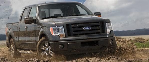 V USA jsou stále voblibě velká auta. Vede Ford F-150