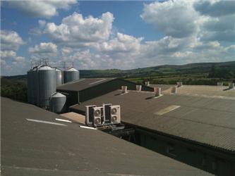 Pokud je na nějakém místě vysoká spotřeba energie, je to ideální prostor pro aplikování tepelného čerpadla
