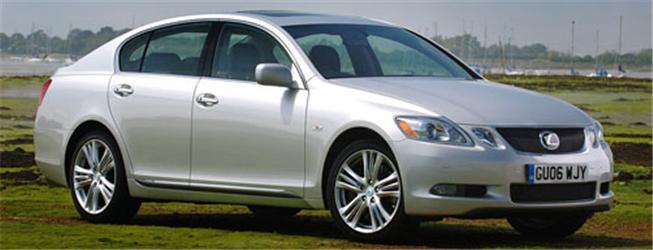 Lexus GS 450h nabízí luxus akomfort. Znuly na sto se dostane za necelých 6 vteřin.