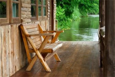 Dřevěný dům nemusí být na údržbu náročnější než ten zděný