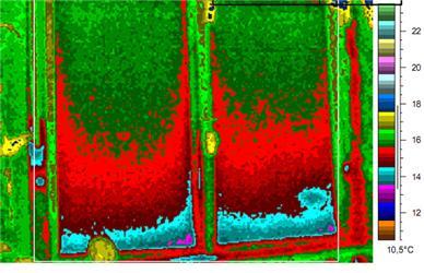 Fóliová roleta vokně spostraními lištami – infračervený snímek