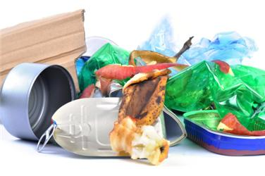 Každý znás vyprodukuje asi 315 kg odpadu ročně
