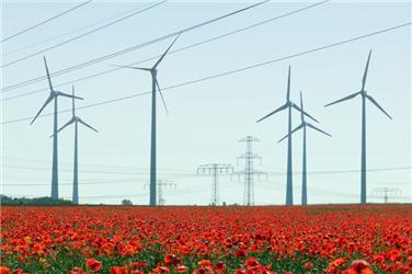 Větrné isolární elektrárny nejsou stále připojovány do sítě