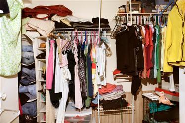 Oblečení, které nenosíte, darujte na dobročinné účely