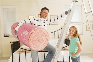 Při zateplování střechy není důležitý jen výběr materiálu