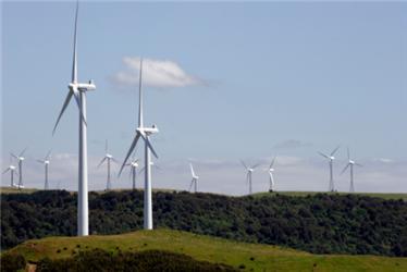 Větrné elektrárny vyrábí elektřinu vdobě, kdy fouká vítr