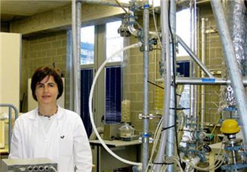 Vědkyně María Laresgoiti vyrábí ropu zpneumatik