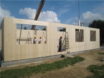 Dřevostavby mohou být dnes úspěšně spojovány snízkoenergetickou apasivní výstavbou
