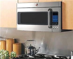 Vestavné mikrovlnky do kuchyně lépe zapadají avíce tak ladí oku, jejich cena je ale oněco vyšší