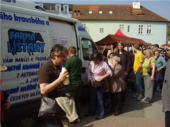 První pojízdný automat na mléko bude jezdit vPlzeňském kraji